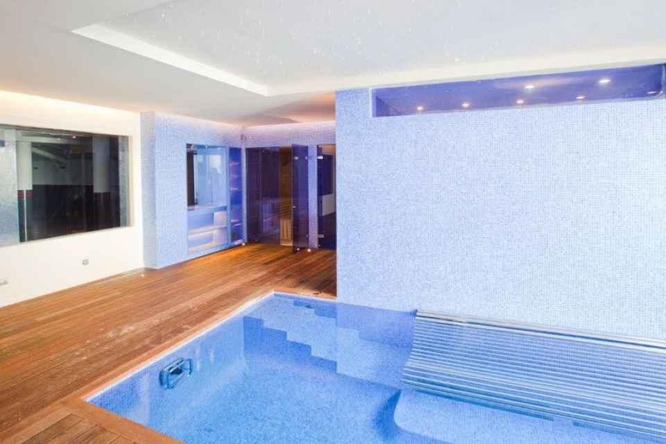 12.gimnas_sauna_oiscina_interior_resize.jpg
